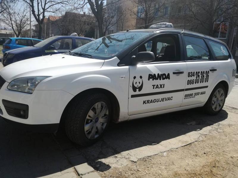 Panda taksiju potrebna vozila