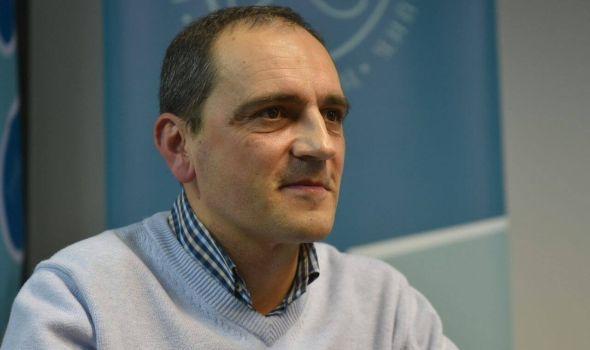 Aleksandar Vasiljević: Zaljubljenik u sport i informatiku koji je zakoračio u svet književnika