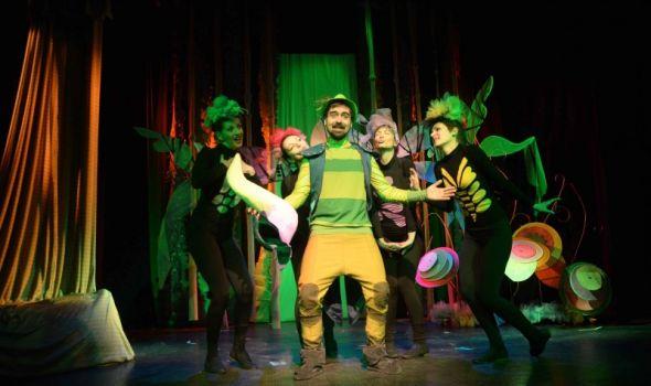 """Predstava """"Cvrčak i mravi"""" u Pozorištu za decu"""