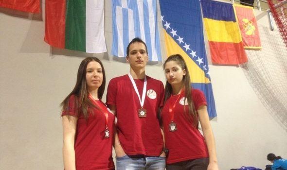 Tekvondo akademija Kragujevac osvojila tri medalje u Zrenjaninu (FOTO)