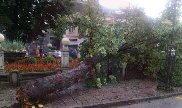 Nevreme napravilo haos u Kragujevcu (FOTO)