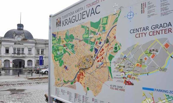 """Zlatni list"" stigao u Kragujevac, region hoće ""Fiću"" za uspomenu"