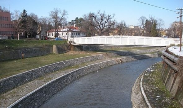 Reke mirne, podrumi poplavljeni