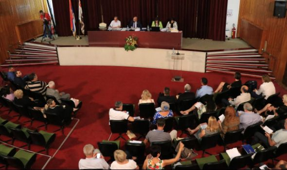 Usvojen rebalans budžeta za 2019. uz žustru raspravu vlasti i opozicije