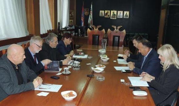 Šarčević u Kragujevcu: Podržao izmeštanje FILUM-a, najavio sredstva za opremanje Centra izvrsnosti