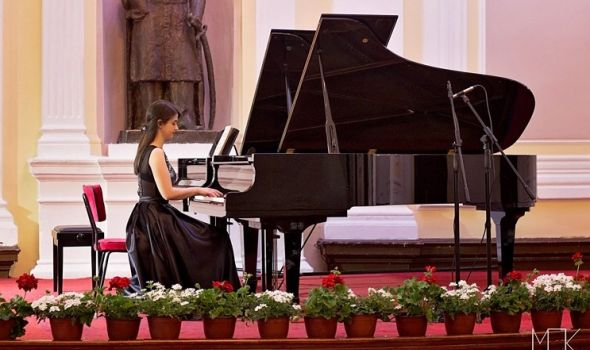 Počeo Prvi festival muzičke omladine