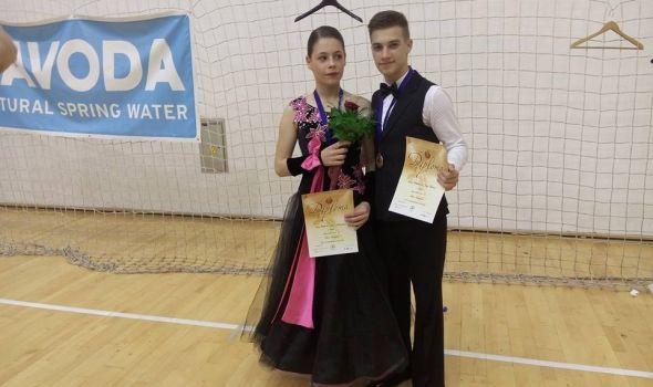 Kragujevački plesni par medaljom na Kupu Srbije ulazi u plesnu elitu