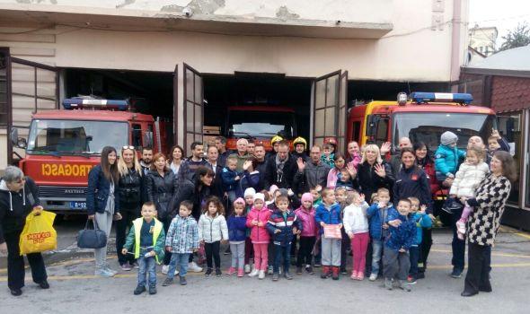 """Vatrogasci heroji mališana vrtića """"Crvenkapa"""" (FOTO)"""