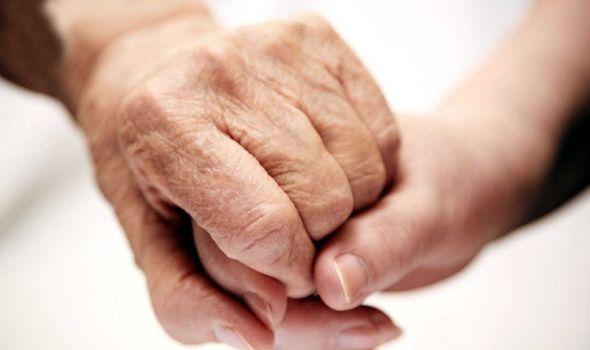 Crveni krst obeležava Međunarodni dan borbe protiv nasilja nad starijima