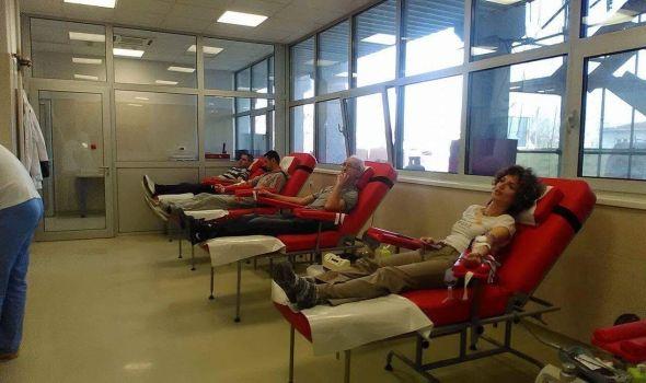 Daj krv, osećaj se kraljevski: SPO prikupio 25 jedinica krvi