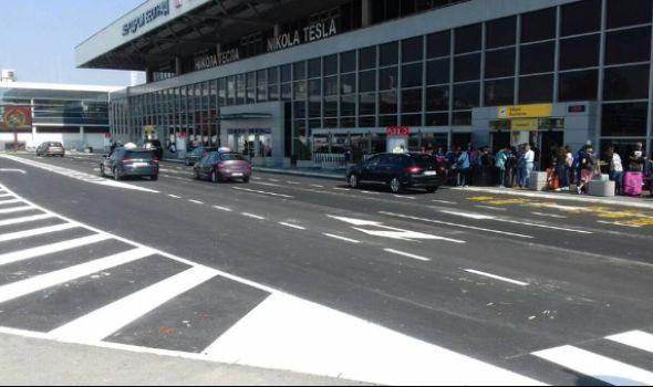 Drama na aerodromu u Beogradu zbog dojave o bombi: Među 130 evakuisanih putnika iz aviona četiri Kragujevčanke (FOTO)