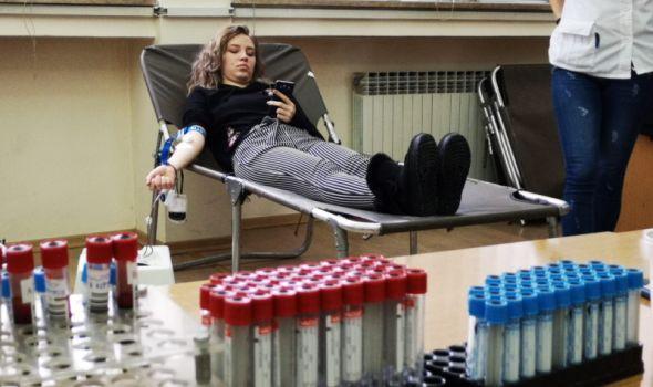 Studenti Ekonomskog fakulteta prikupili 30 jedinica krvi (FOTO)