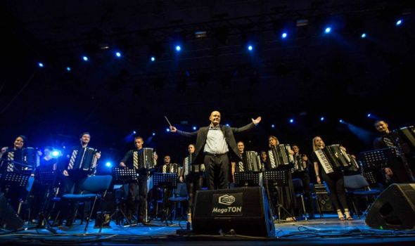 Koncert: Kragujevački akademski orkestar akordeonista i Vlatko Stefanovski