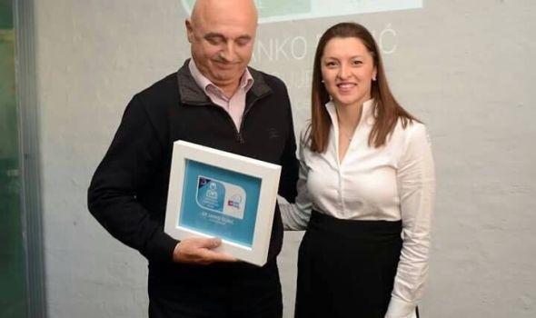 Priznanje od neprocenjive vrednosti: Prof. dr Janka Đurića mame proglasile omiljenim akušerom u porodilištu