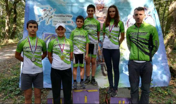"Biciklističkom klubu ""Cyclemania"" tri medalje u Šidu (FOTO)"