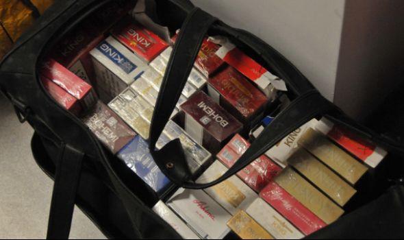 Policija od ULIČNIH PRODAVACA zaplenila 32 kilograma rezanog duvana i 1.640 paklica cigareta