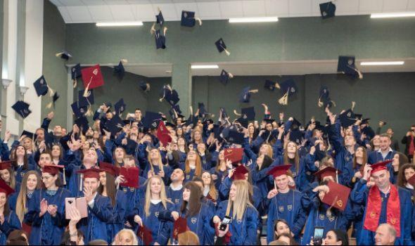 Ekonomski fakultet promocijom 200 diplomaca obeležio 59 godina postojanja (FOTO)