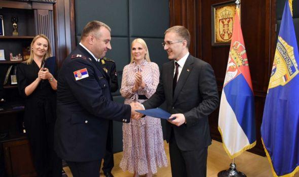 Kragujevčanin DEJAN LUKOVIĆ, komandant Žandarmerije, unapređen u čin GENERALA policije