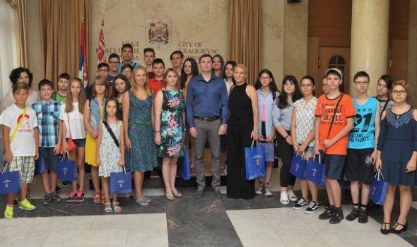 Đaci iz Piteštija u poseti Kragujevcu