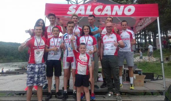 Kragujevačkim biciklistima 14 medalja na Šumaričkom jezeru i u Čačku (FOTO)