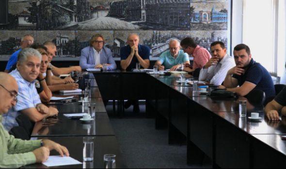 U Kragujevcu optimalan broj taksi vozila, moguće dupliranje cene starta