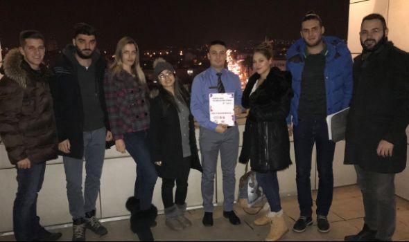 Feel the difference: Karte pića u kragujevačkim kafićima i restoranima na Brajevom pismu