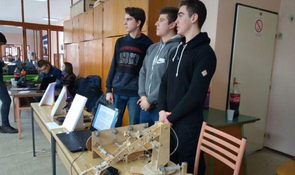 """Više od 100 učenika na takmičenju """"Feliks"""" predstavilo inovativna rešenja, neki su možda budući veliki naučnici (FOTO)"""