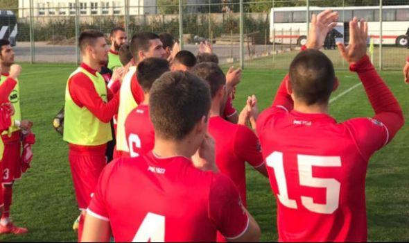 """Fudbaleri """"Radničkog 1923"""" slavili u Dobanovcima, upisali 11. pobedu (VIDEO)"""
