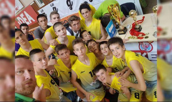"""Mladi košarkaši """"Foke"""" vicešampioni turnira """"Basket 4 Kids"""""""