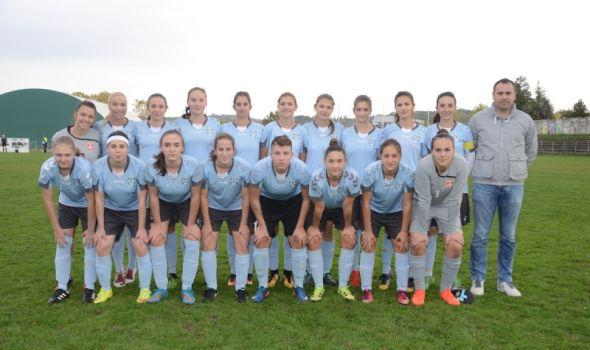 """Fudbalerke """"Šumadije 1903"""" proslavile plasman u Super ligu Srbije"""