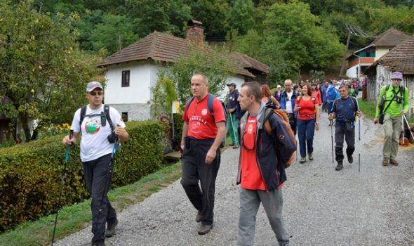 """Gledićka transverzala"" okupila nekoliko stotina planinara"