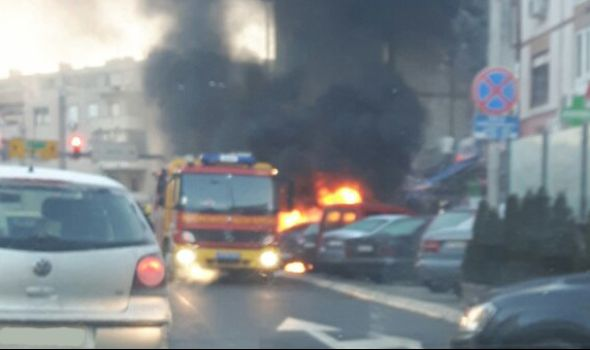 Izgoreo automobil kod Velikog parka (FOTO)