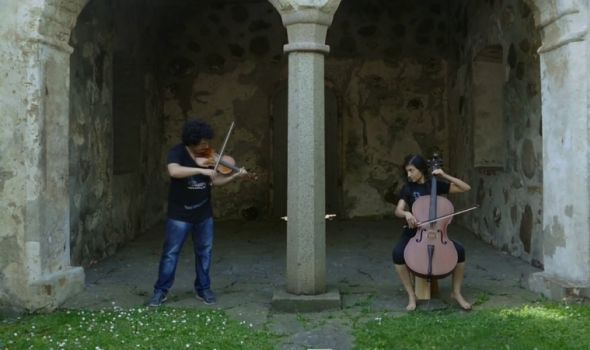 "Duo ""Icstrings"" u  Galeriji Narodnog muzeja"