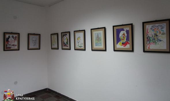 """Izložba crteža i slika korisnika """"Malih Pčelica"""" u UMMUS-u: Mnogo talenta među 2000 radova"""