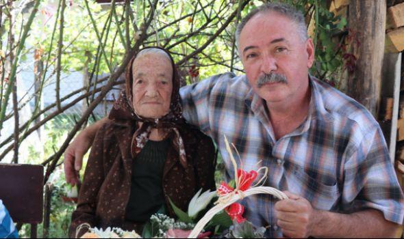 Baka Julka proslavlja 100. rođendan