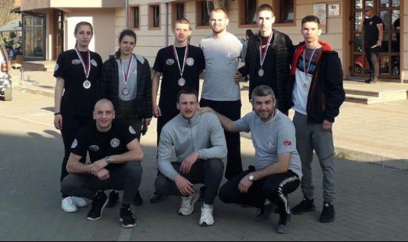 Kik-bokserima Radničkog pet medalja u Novom Pazaru