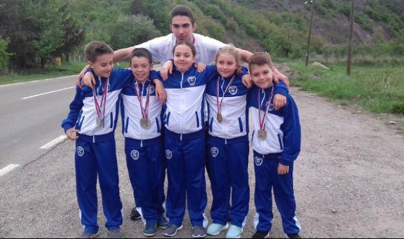 Karatistima Juniora šest medalja u Raškoj