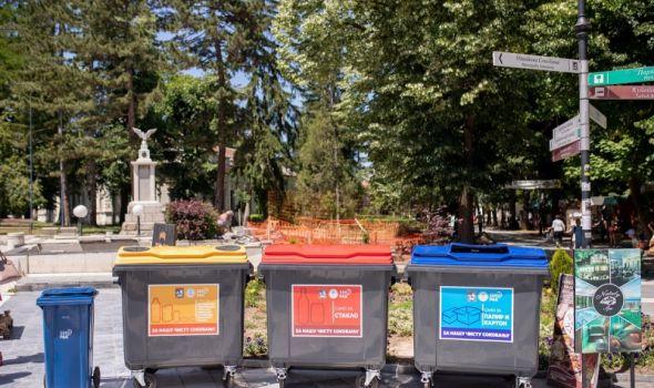 Crveni, plavi, žuti: Novi kontejneri za sekundarne sirovine na ulicama grada