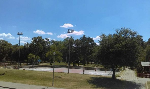 Uskoro nov izgled popularnog sportskog terena u Velikom parku