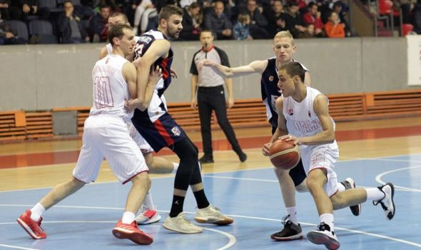 """Košarkaši ponovo prebacili """"stotku"""", poklekla Mladost iz Smederevske Palanke"""