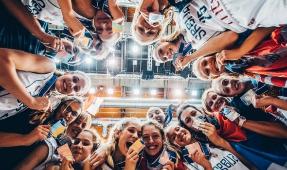 """Srebrne"" Kragujevčanke za ponos i na terenu i u stručnom kadru ženske juniorske košarkaške reprezentacije"