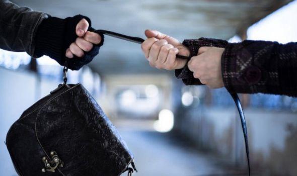 Mladići uhapšeni zbog krađa: Obijali prodavnice, krali novac iz tašni žena na ulici