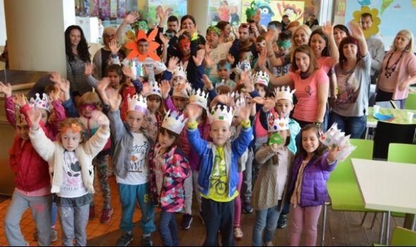 """Deca u """"Plazi"""" prave maske za Đurđevdanski karneval"""