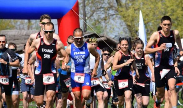 Prvenstvo Srbije u kros triatlonu na jezeru u Šumaricama