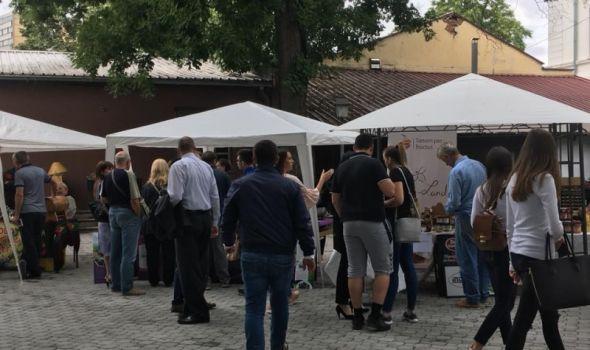 """Festival """"Kuhinje sveta"""" održan u Zastavinoj bašti (FOTO)"""