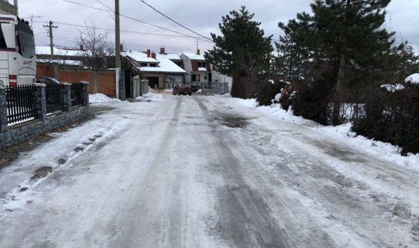 Kad temperature rastu, a led ne popušta: Kako Kragujevčani mogu da reše ovaj problem? (FOTO)