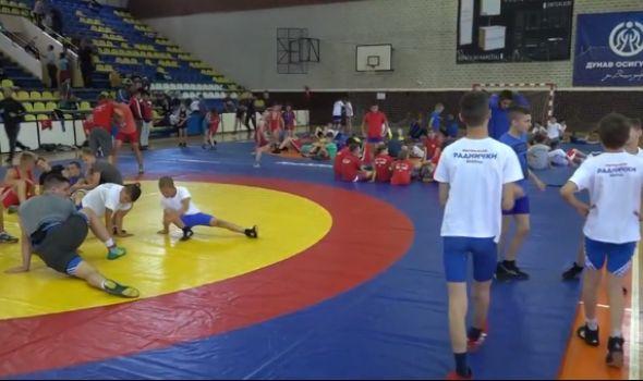 Kragujevački rvači osvojili 12 medalja u Mladenovcu