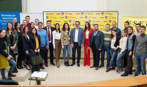 Milanović u perpunom amfiteatru Ekonomskog fakulteta održao predavanje (FOTO)