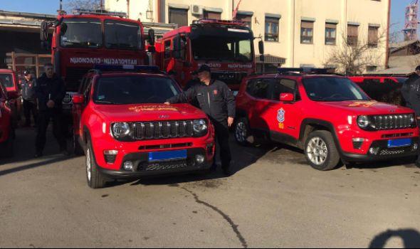Uprava za vanredne situacije Kragujevac dobila četiri nova vozila od MUP-a (FOTO)