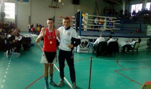 Nikola Perović iz BK Lukač juniorski prvak Srbije u polusrednjoj kategoriji